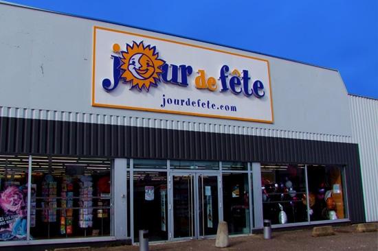 Magasin Déguisements Et Articles De Fête À Metz – Jour De Fête
